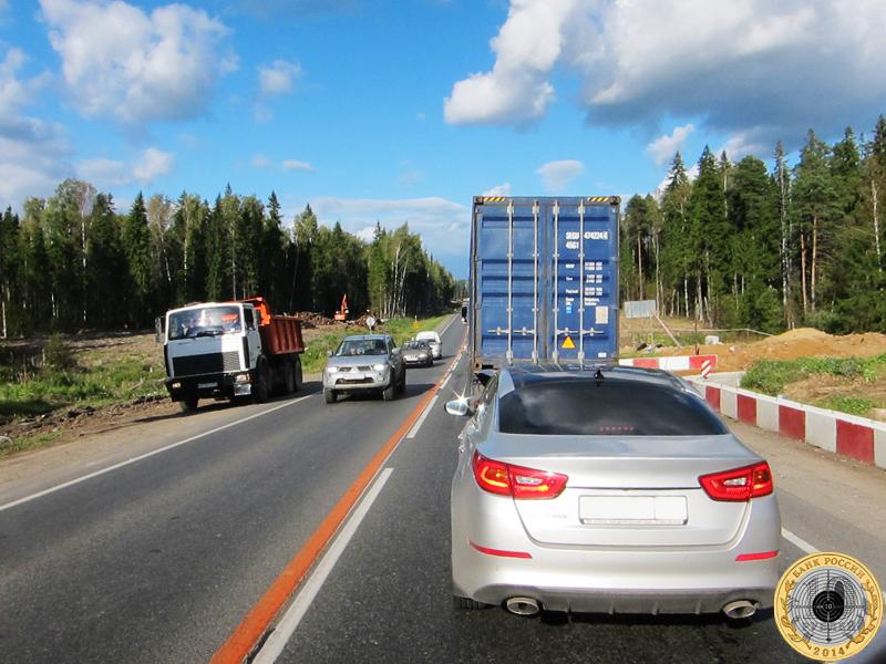 Оживленное движение на трассе А-107 между Волоколамским и Пятницким шоссе