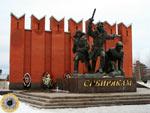 Рубеж Славы - у самого шоссе, что ведёт из Волоколамска в Москву