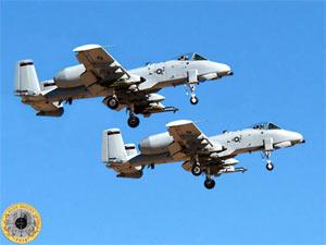 Два американских штурмовика Fairchild-Republic A-10 Thunderbolt II в небе
