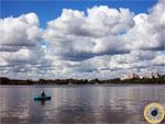 Москва-река у города Красногорска, а рядом тянется Волоколамское шоссе