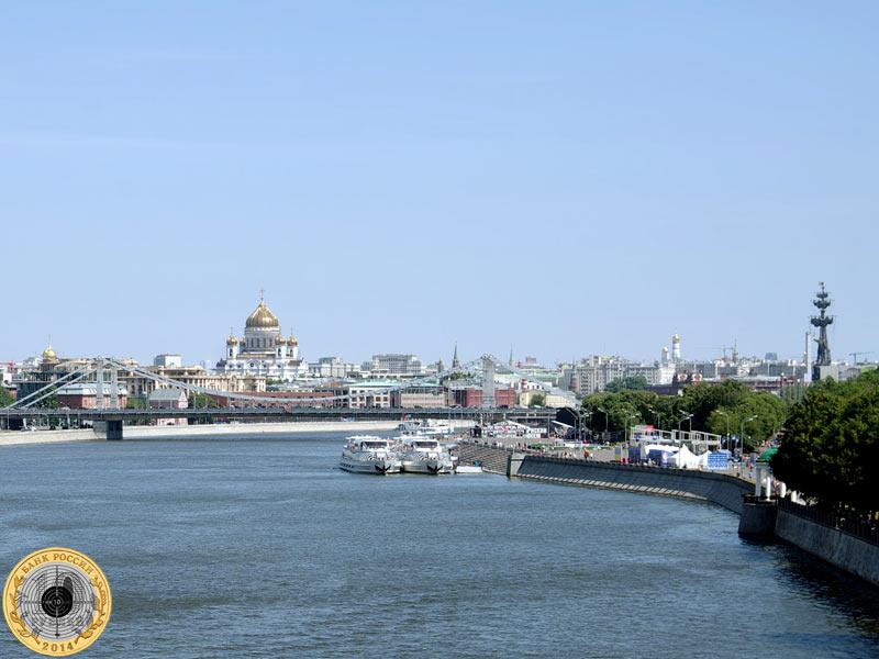 Вид на Москву-реку и Храм Христа Спасителя