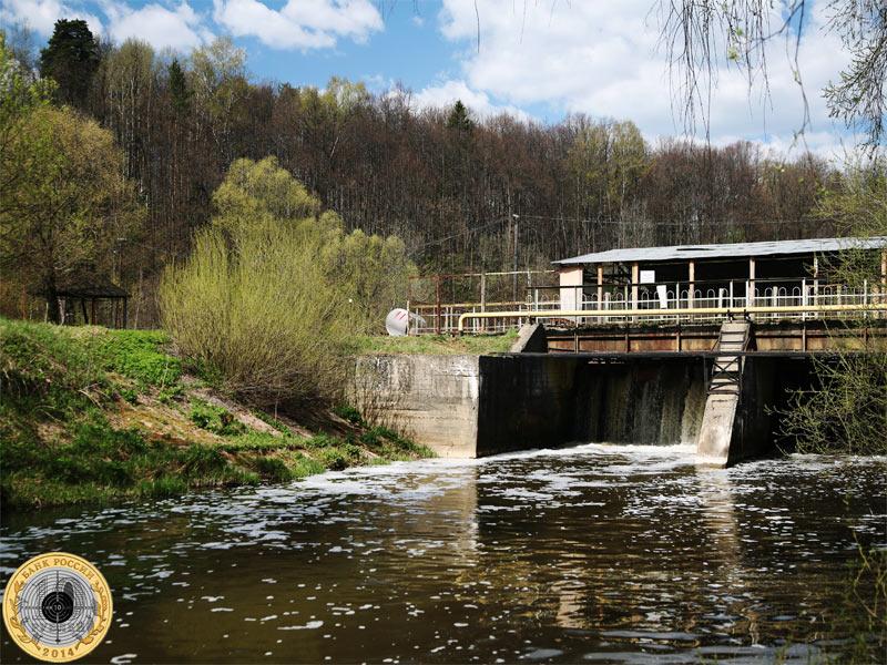 Запруда в Химках на реке Сходне
